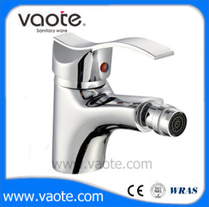 Brass Body Single Lever Toilet Bidet Faucet (VT10804) pictures & photos