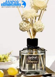 Perfume Glass Bottle with Black Lids pictures & photos