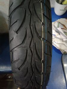 India Mrf Brand 100/80-17 Motorcycle Tyre and Tube pictures & photos