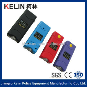Mini 800 Self Defense Flashlight Popular Good Quality Stun Gun with RoHS Ce Certification pictures & photos