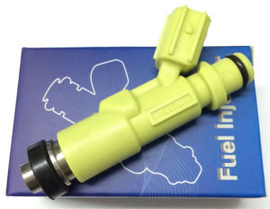 Denso Fuel Injector (23250-13030) for Toyota Kr42 pictures & photos