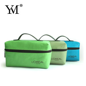 2015 High Quality Coated Canvas Portable Cosmetic Bag pictures & photos