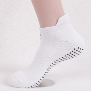 White Colour with Anti-Slip Dots Trampoline Socks pictures & photos