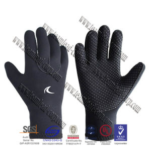 Premium 3mm Neoprene Water Gloves for Water Sports, Diving, Surfing Unisex pictures & photos