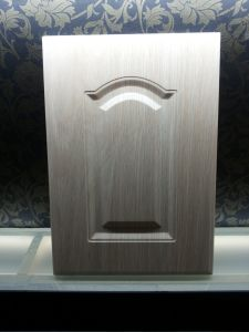 PVC Vacuum Therfoaming Cabinet Door, PVC Faced Kitchen Cabinet Door pictures & photos