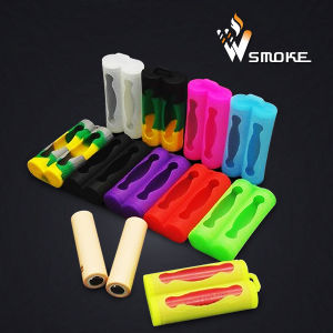 Double 18650 Batteries Silicone Case 2PCS of 18650 Rubber Case Holder pictures & photos