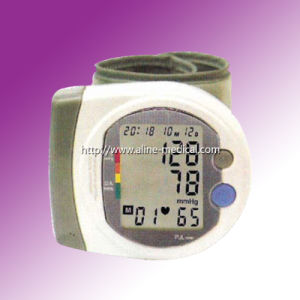 CE/ISO Wrist Digital Blood Pressure Monitor (MA132) pictures & photos