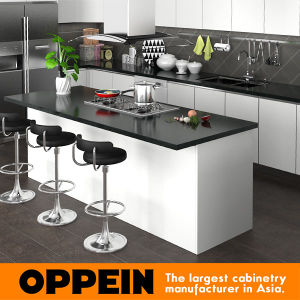 Oppein Modern PVC Finish Wooden Kitchen Cabinet (OP15-PVC06) pictures & photos
