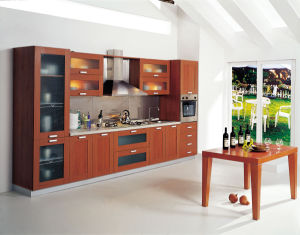 High Quality Solid Wood Kitchen Cabinet / Kitchen Furniture / Kitchen pictures & photos