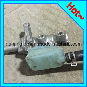Auto Parts Brake Cylinder Pump for Peugeot 4601. V0 pictures & photos