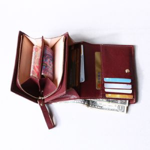 Luxurious Women Top Grain Genuine Leather Wallet pictures & photos