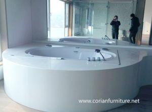 Modern Design Solid Surface Corian Round Bathtub pictures & photos