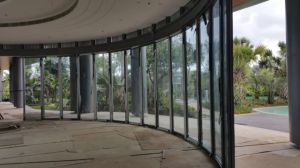 Arc Glass Wall Partition for Hotel pictures & photos