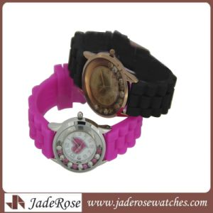 Latest Colorful Gift Watch, Promotional Silicone Band Alloy Watches pictures & photos