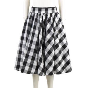 Latest Women Skirts Black and White Plain Plaid Maxi Umbrella Skirts pictures & photos