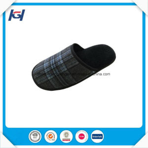Winter Warm Check Fabric Men′s House Sleeping Slippers pictures & photos