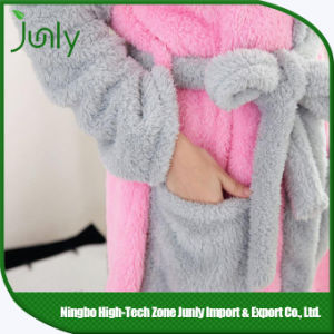 Highquality Practical Affordable Hooded Bathrobe Microfiber Cheap Bathrobes pictures & photos