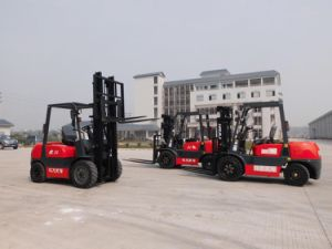 3t Diesel Forklift with Isuzu Engine and Side Shifter pictures & photos