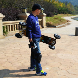Powerful 4 Wheels Electric Skateboard with Dual Motor 1650W pictures & photos