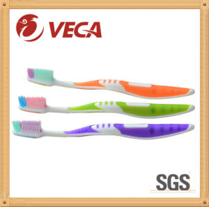 Wholesale Suitable for All Ages Toothbrush pictures & photos