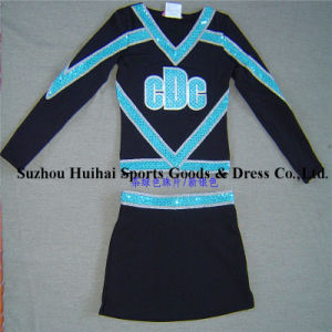 2017 Cheerleading Spandex Uniforms pictures & photos