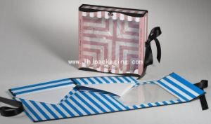 High Quality Folding Cosmetic Paper Box with Window