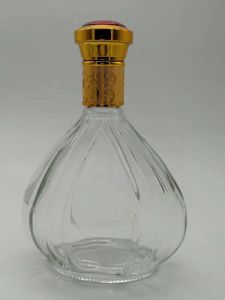 Wholesale New Style Clear Glass Bottle for Wine or Liquor pictures & photos