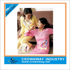 Hot Sales Custom Women Pajamas with Print pictures & photos
