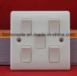 Four Gang One Way Switch /Wall Switch /British Wall Switch /Switch Socket pictures & photos