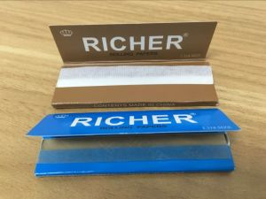 2017 Booklet Cigarette Rolling Paper pictures & photos