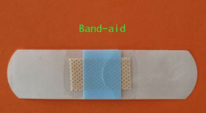 Medical Disposables Band-Aid Transparent Waterproof PU Semi-Permeable Surgical Protective Non-Woven Adhesive Dressing pictures & photos