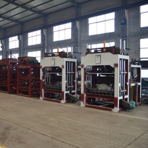 Qt5-15 Automatic Concrete Blocks Production Line Cement Interlocking Paver Hollow Block Machine for Sale pictures & photos