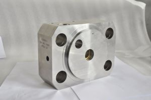 Ultra High Pressure Water Jet Intensifier Pump Part End Bell Assy pictures & photos