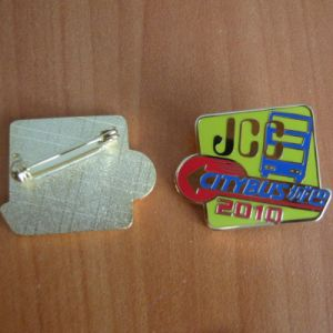 Custom Enamel Lapel Pin, City Bus Badge (GZHY-LP-034) pictures & photos