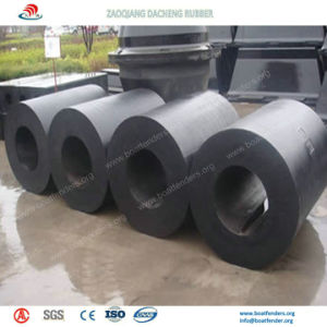 Easy Installed Cylindrical Rubber Fenders on Dock pictures & photos