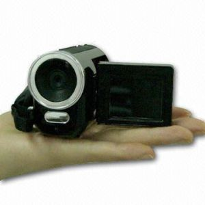 Digital Video Camcorder with PC Camera Function and Built-in Flash Memory