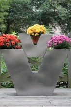 Fo-9029 V-Type Stainless Steel Decor Planters Fpr Garden pictures & photos