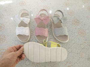 New Fashion Comfortable Kid′s Sandals