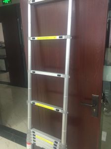 Full Aluminum Single Straight Telescopic Stair (3.2m) pictures & photos
