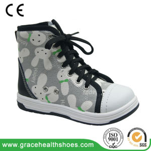 Orthopedic Shoes with Leather Lining for Breathable Wearing pictures & photos