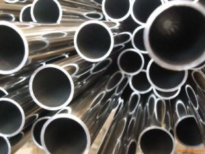 Good Quality 303 Stainless Seamless Steel Pipe pictures & photos