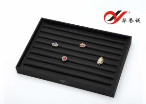 8 Lines Finger Ring Tray Display in Black Silk Cotton pictures & photos