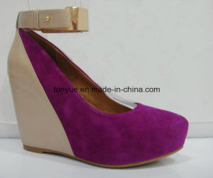 Lady High-Heel Wedge Cow Suede and Genuine Leather Pump Shoe pictures & photos