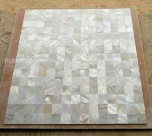 Natural Mother of Pearl Shell Mosaic Tile (HMP95) pictures & photos