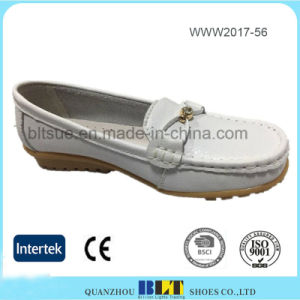 Hot Selling Leather Lining Slip on Loafer China Women Shoes pictures & photos