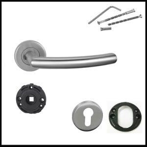 China Manufacturer Stainless Steel Tube Lever Door Handle pictures & photos