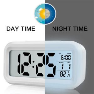 Digital Alarm Clock Battery Operated for Bedside pictures & photos