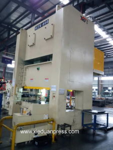 Gtx-600ton Auto Metal Parts Stamping Heavy Duty Punching Machine pictures & photos