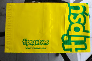 Yellow Color Plastic Printed Shipping Bag for Packing pictures & photos