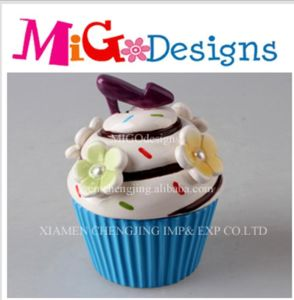 Personalize Kitchen Decor Nice Cupcake Cookie Canister pictures & photos